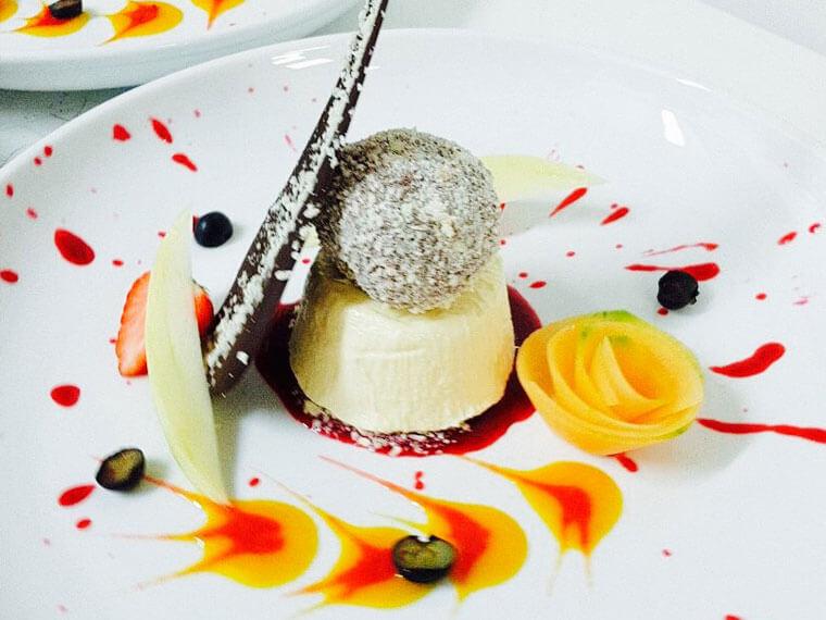 kleines Dessert von L'Antico Borgo in Burghausen